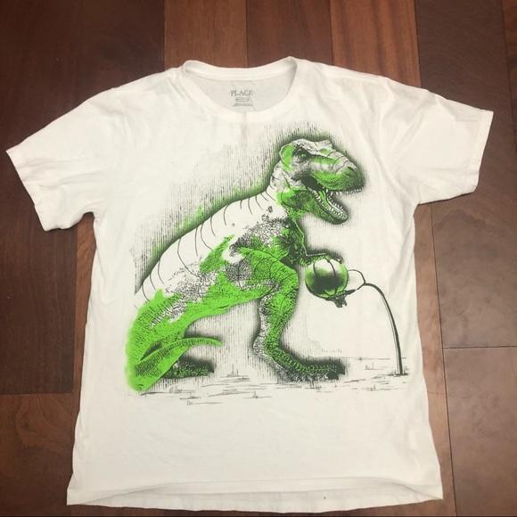 Dinosaur T-shirt size 16/xxl